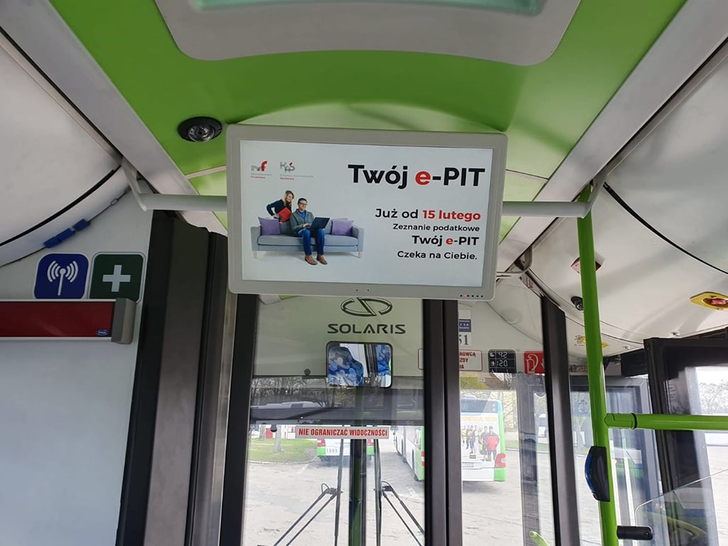 Digital signage bus solution